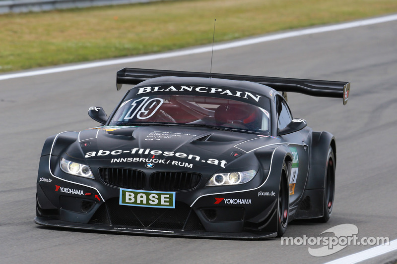 #19 PIXUM Team Schubert BMW Z4 GT3: Dominik Baumann, Claudia Hurtgen