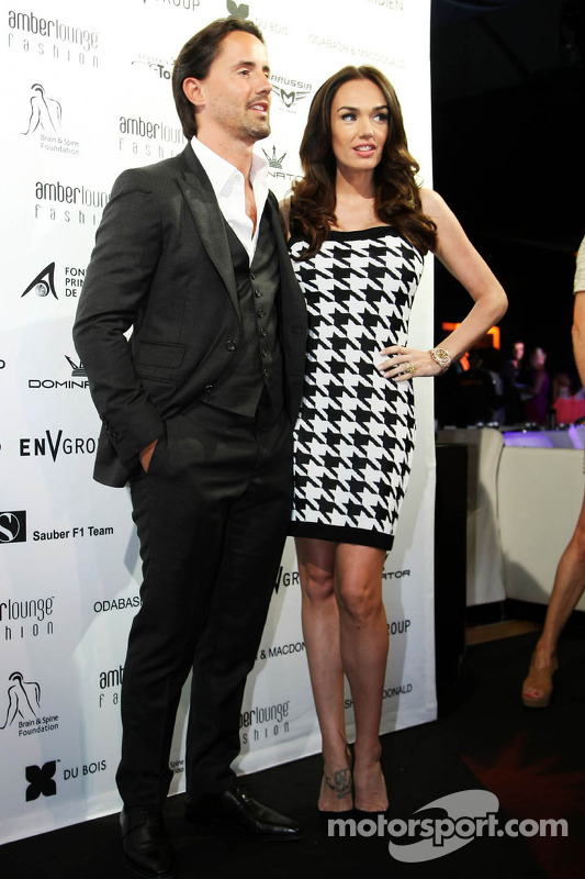 Tamara Ecclestone, com marido Jay Rutland, no Amber Lounge Fashion Show