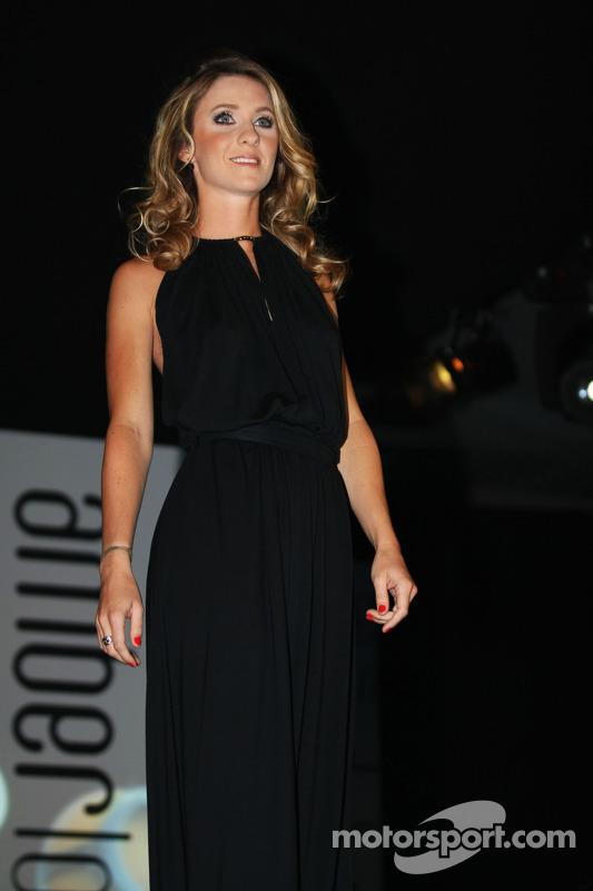 Camille Marchetti, Jules Bianchi'nin kız arkadaşı, Marussia F1 Takımı Amber Lounge Fashion Show'da