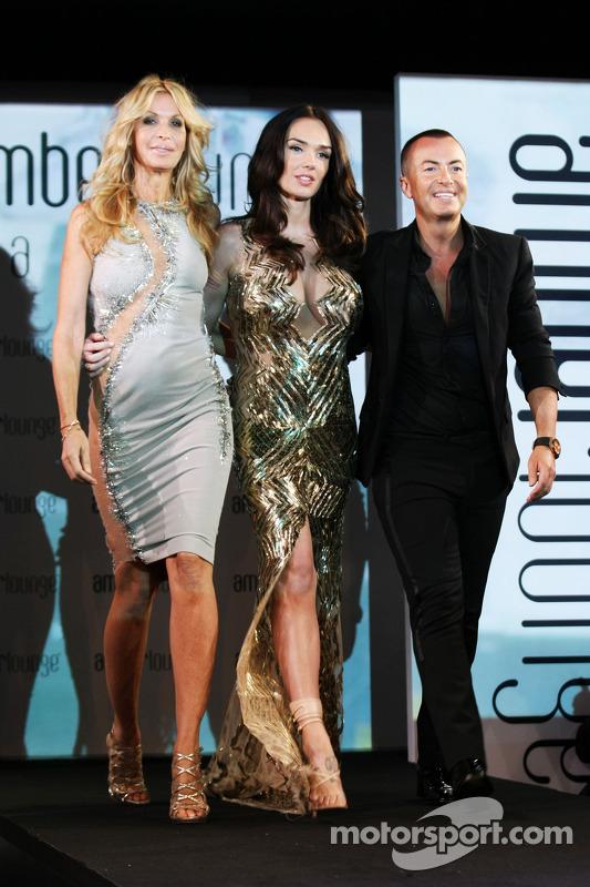 (Soldan Sağa): Melissa Odabash, Mayo Tasarımcısı ve Tamara Ecclestone, ve Julien Macdonald, Moda Tas