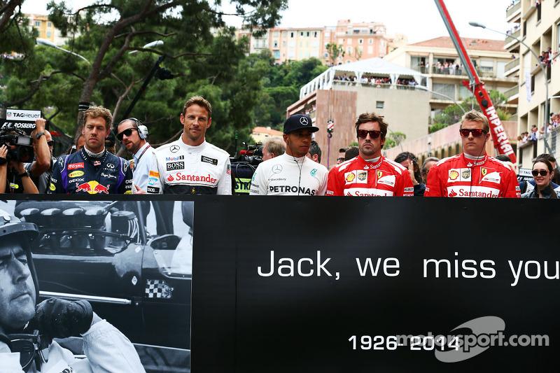 (L to R): Sebastian Vettel, Red Bull Racing, Jenson Button, McLaren, Lewis Hamilton, Mercedes AMG F1