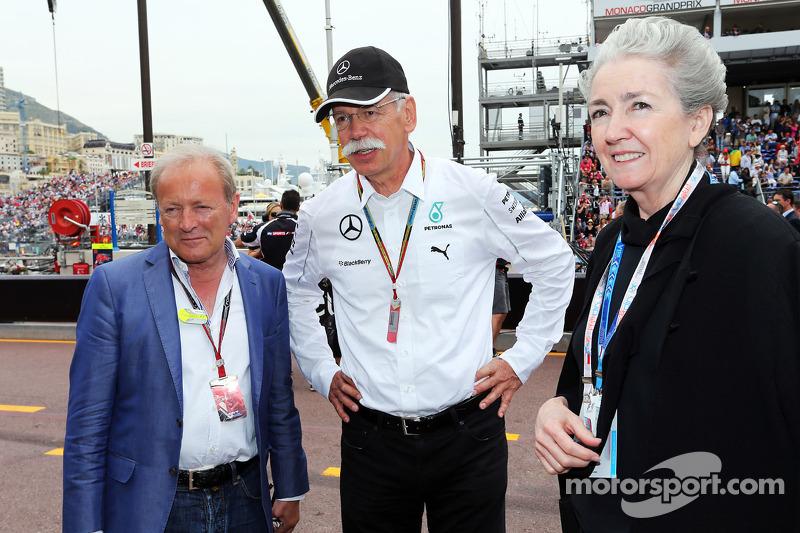 Werner Heinz, Driver Manager, con Dr. Dieter Zetsche, Daimler AG CEO