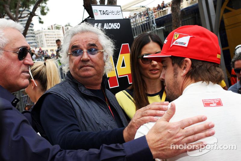 Flavio Briatore ve eşi Elisabetta Gregoraci, ve Fernando Alonso, Ferrari gridde