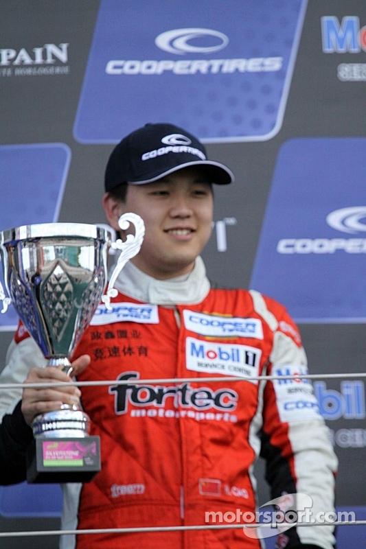 Pódio: terceiro lugar Peter Li Zhi Cong