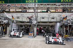 Porsche Team pit area