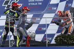 Podio: carrera ganador Marc Márquez, subcampeón Jorge Lorenzo, Valentino Rossi el tercer lugar