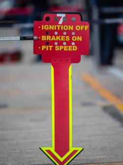 #7 Toyota Racing Toyota TS 040 - Hybrid pit sign