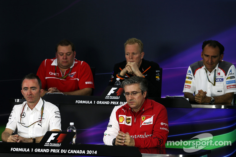 La conferenza stampa della FIA, Marussia F1 Team Race Ingegnere; Andrew Green, Sahara Force India F1 Direttore Tecnico della squadra; Giampaolo Dall 'Ara, Sauber F1 capo della squadra di Ingegneria pista; Paddy Lowe, Mercedes AMG F1 direttore esecutivo,