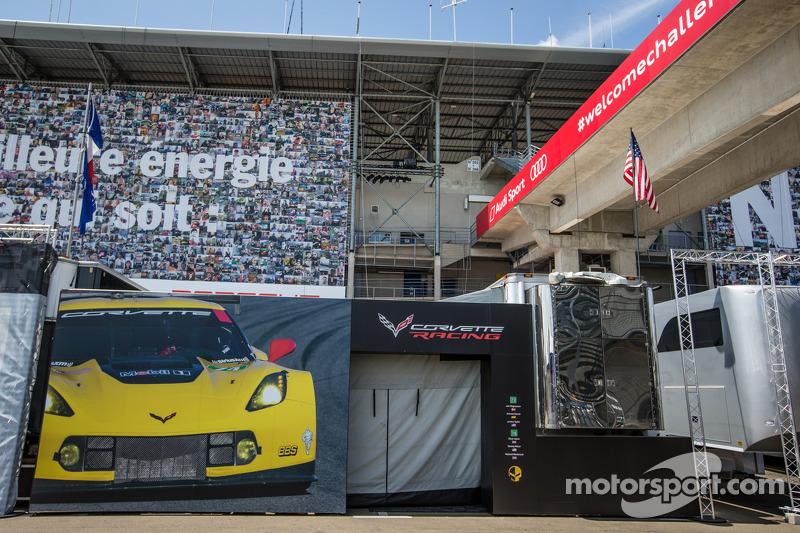 Corvette Racing padok alanı