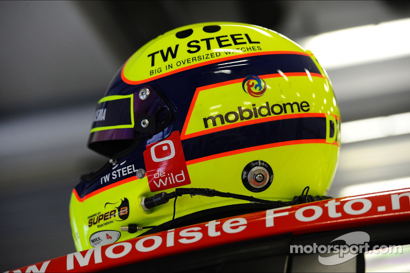 Casco Tom Coronel, Chevrolet Cruze RML TC1, Roal Motorsport