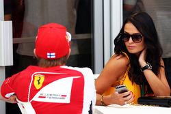 Kimi Räikkönen, Ferrari, mit Freundin Minttu Virtanen