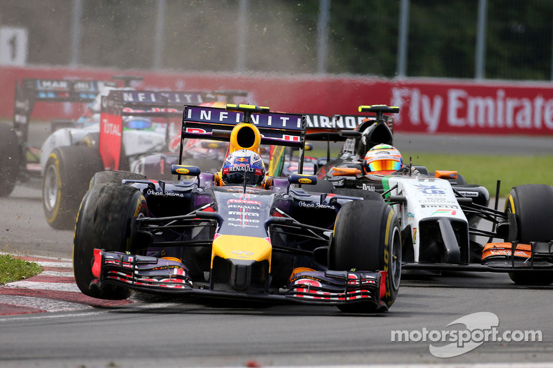 Daniel Ricciardo, Red Bull Racing RB10; Sergio Perez, Sahara Force India F1 VJM07