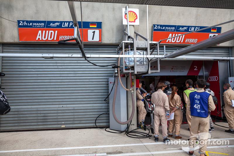 #1 奥迪 的车库们关闭,原因是罗伊克·杜瓦尔遭遇撞车