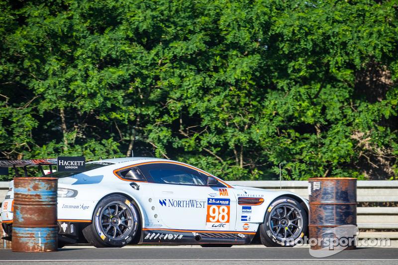 #98 Aston Martin Racing Aston Martin Vantage V8: Paul Dalla Lana, Pedro Lamy, Christoffer Nygaard al