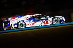 #8 Toyota Racing, Toyota TS 040 - Hybrid: Anthony Davidson, Nicolas Lapierre, Sébastien Buemi