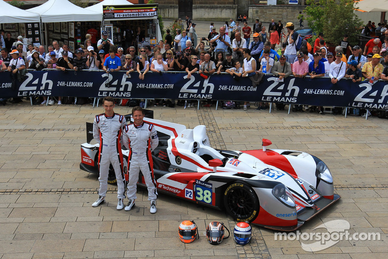 #38 Jota Sport Zytek Z11SN - 日产: 西蒙·多兰, 哈里·丁科内尔, 马克·赫内