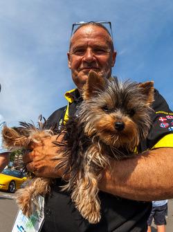 Cão no desfile