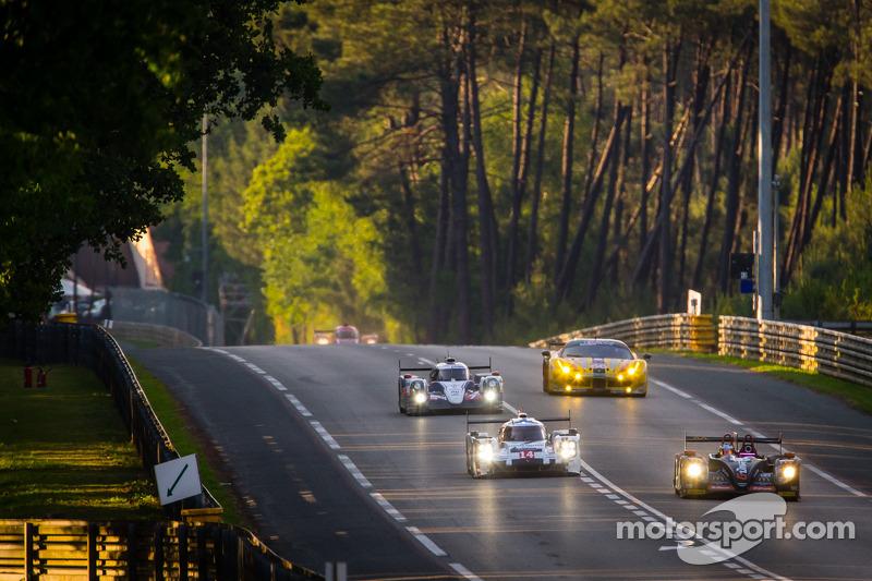 #26 G-Drive Racing Morgan - Nissan: Roman Rusinov, Olivier Pla, Julien Canal e #14 Porsche Team Pors