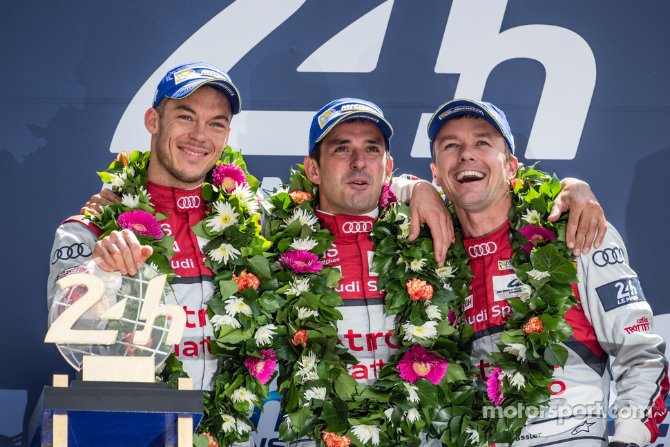 LMP1-H podium: class and overall winners Marcel Fässler, Andre Lotterer, Benoit Tréluyer
