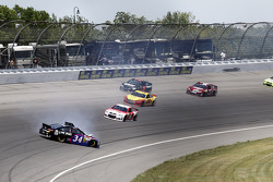 Trouble for David Ragan, Ford