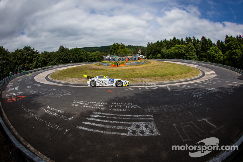 #15 HTP Motorsport 梅赛德斯-奔驰 SLS AMG GT3: 哈罗德·普里马, 马克西米利安·格策