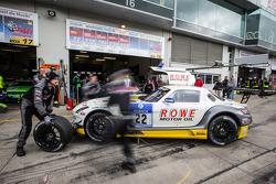 #22 Rowe Racing 梅赛德斯-奔驰 SLS AMG GT3: 马罗·恩格尔, 尼科·巴斯蒂安, 克里斯蒂安·霍恩纳德尔, 迈克尔·策厄
