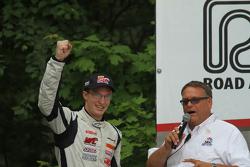 星期六GT组别获胜者领奖台: Robert Thorne