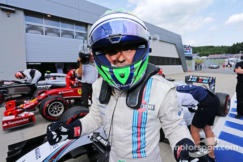 Felipe Massa, Williams FW36 celebrates his pole position in parc ferme
