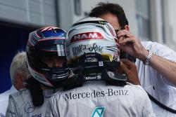 Lewis Hamilton, Mercedes AMG F1, em parque fechado