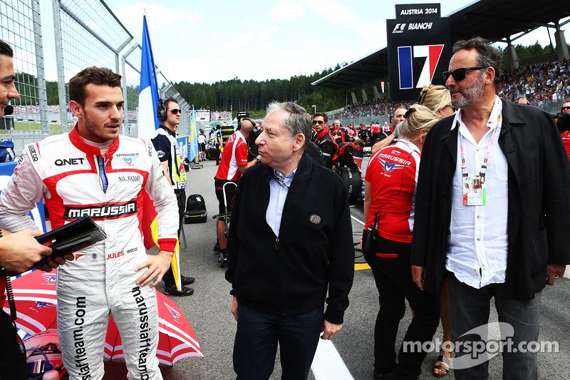 玛鲁西亚F1车队的朱尔斯·比安奇和国际汽联主席让·托德,演员让·雷诺
