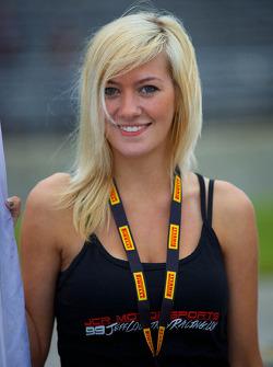 JCR Motorsports vlaggenmeisje