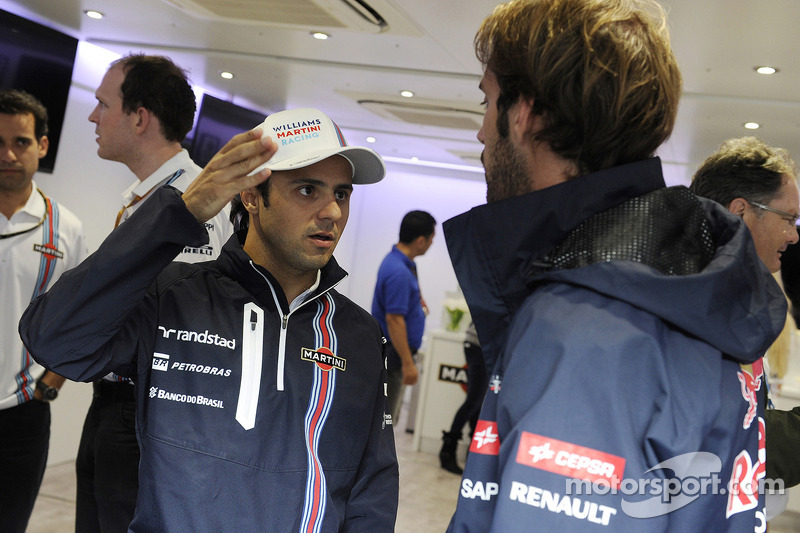 Felipe Massa, Williams 200. GP'sini kutluyor ve Jean-Eric Vergne, Scuderia Toro Rosso