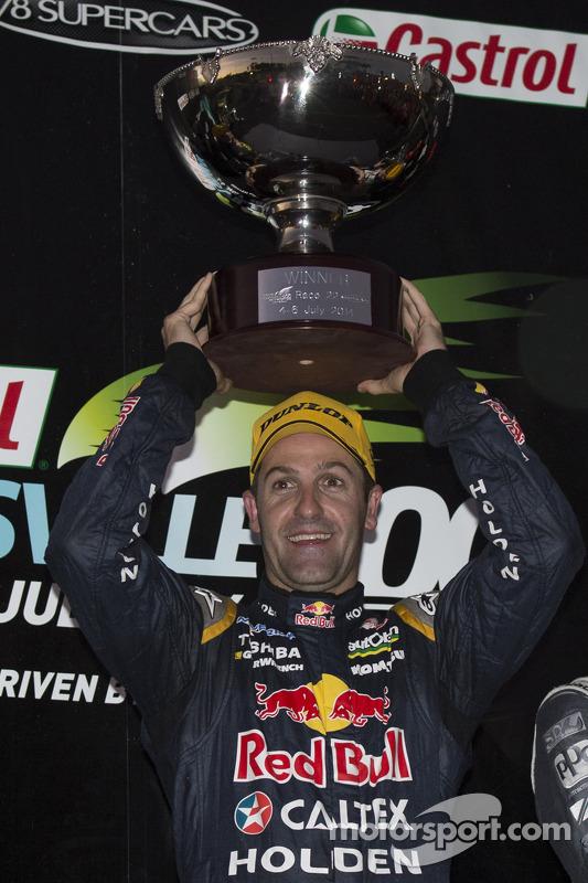Vencedor da corrida Jamie Whincup, Red Bull Holden