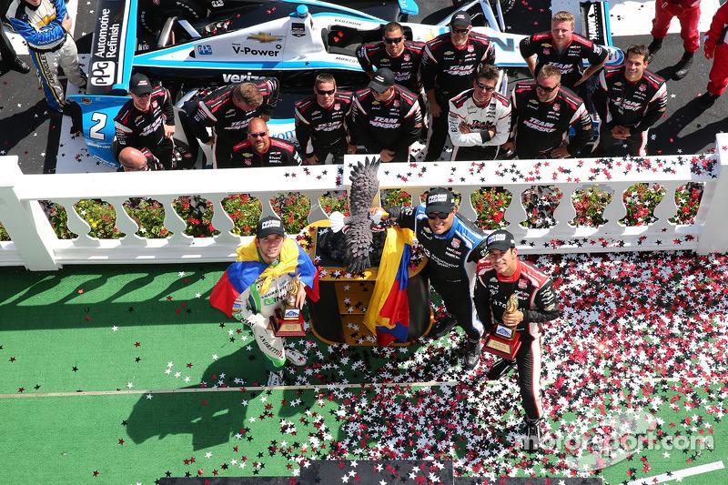 Carlos Munoz, Andretti Autosport Honda ve Juan Pablo Montoya, Penske Racing Chevrolet ve Helio Castr