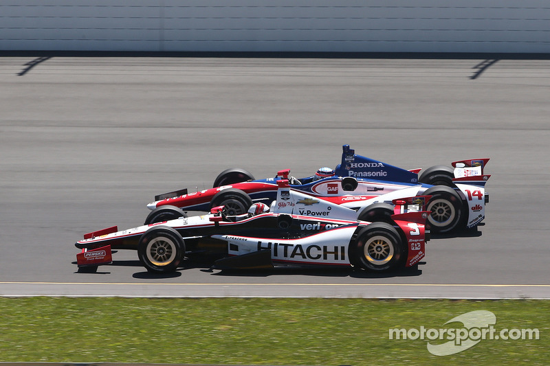 Helio Castroneves, Penske Racing Chevrolet ve Takuma Sato, A.J. Foyt Enterprises Honda