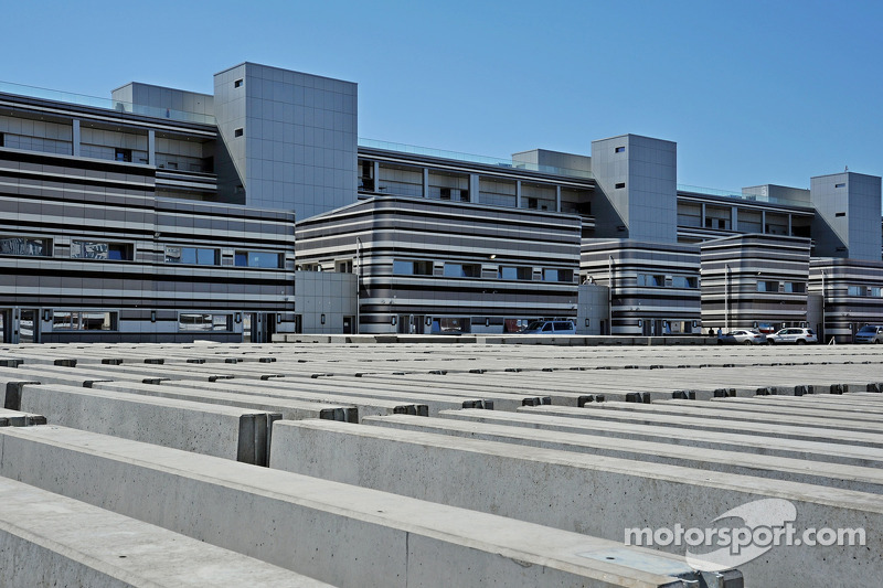 Sochi Autodrom pistinde inşaat devam ediyor