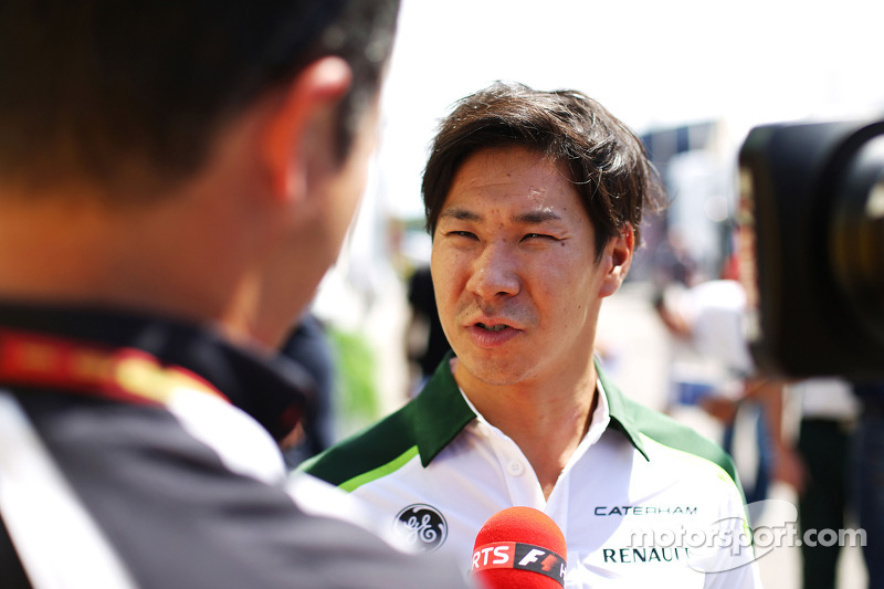 卡特汉姆F1车队的小林可梦伟和媒体