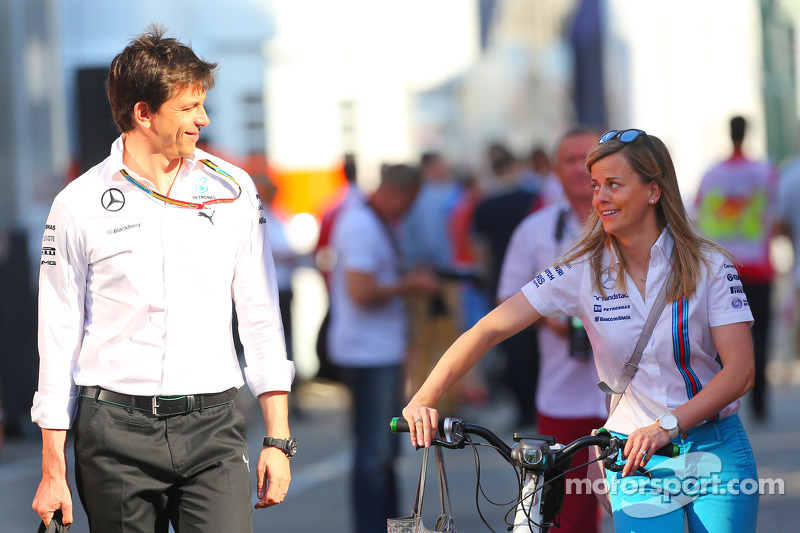 (L to R): Toto Wolff, Mercedes AMG F1 Shareholder and Executive Director with his wife Susie Wolff, Williams Development Driver