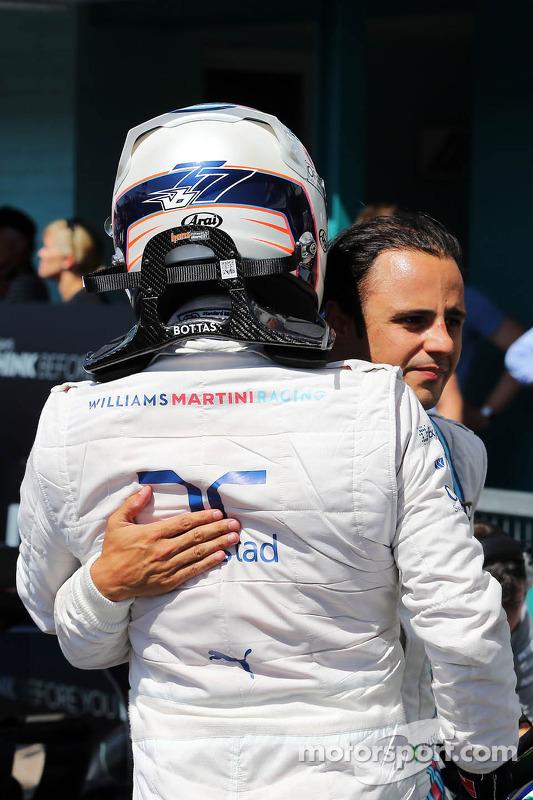 Valtteri Bottas, Williams celebra seu segundo lugar na classificação parc ferme com terceiro companh