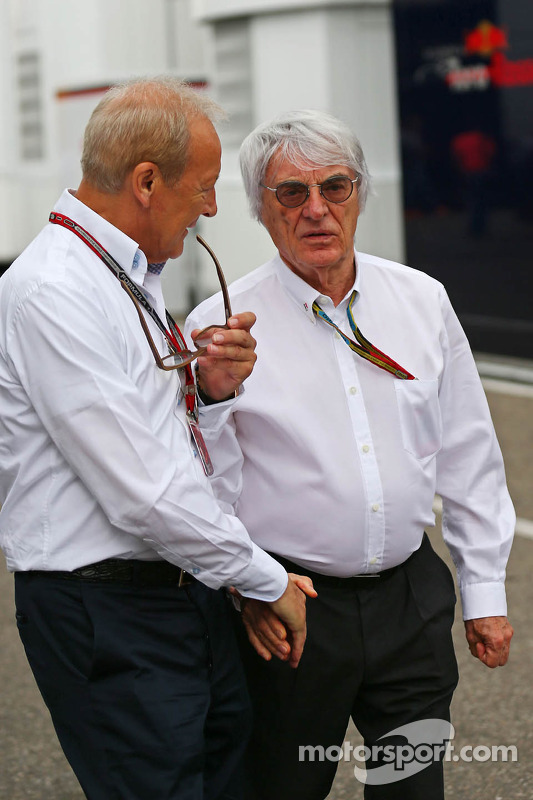 Bernie Ecclestone com Manfred Zimmerman, CMG