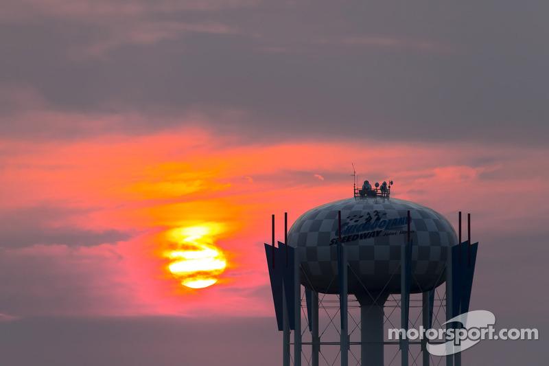 Il sole tramonta su Chicago
