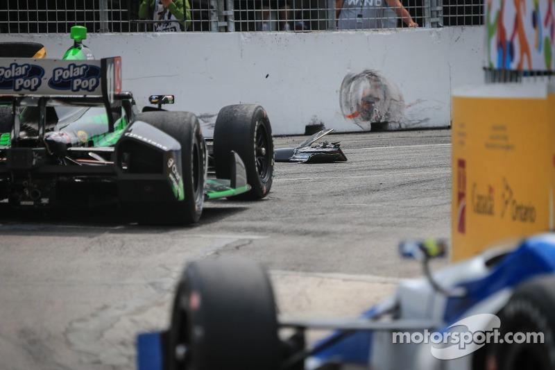 Sébastien Bourdais, KVSH corsa Chevrolet colpisce alcuni detriti