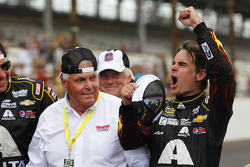 Race winner Jeff Gordon, Hendrick Motorsports Chevrolet with Rick Hendrick