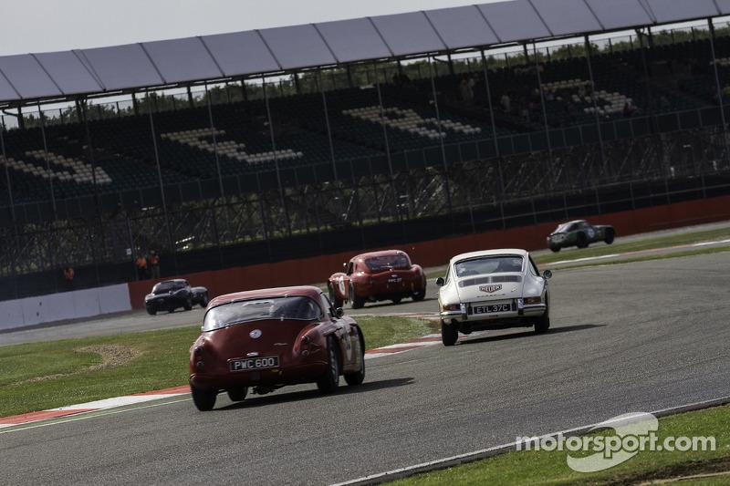 #27 Porsche 911: Adrian Slater