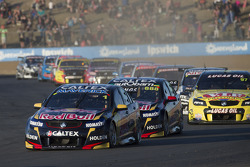 Start: Jamie Whincup, Red Bull Holden lider