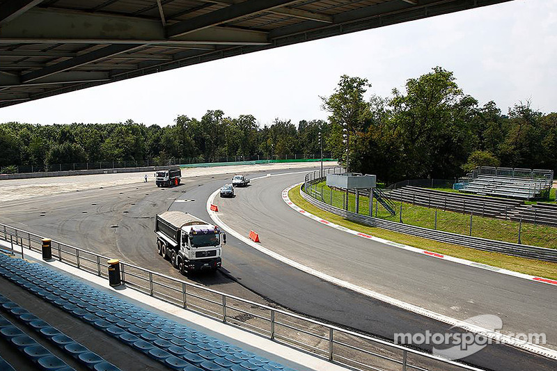 Construction work at Monza's Parabolica