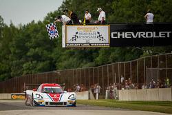 #5 Action Express Racing Corvette DP: Joao Barbosa, Christian Fittipaldi galibiyete ulaşıyor