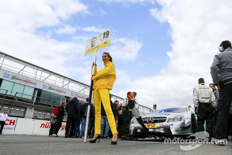 Grid kızı: Daniel Juncadella, Mercedes AMG DTM-Takımı M¸cke DTM Mercedes AMG C-Coupe