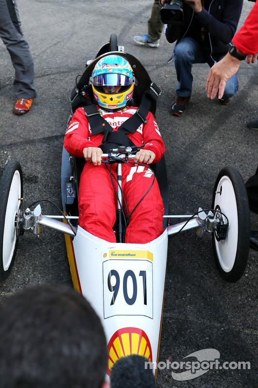 Fernando Alonso, Scuderia Ferrari na Shell Eco Marathon