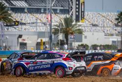 #27 Hyundai / Rhys Millen Racing Hyundai Veloster: Emma Gilmour, #81 Subaru Rally Team USA Subaru WRX STi: Bucky Lasek